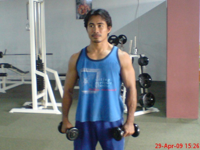 Tips Latihan Beban Untuk Melebarkan Bahu Agar Badan Lebih Terlihat